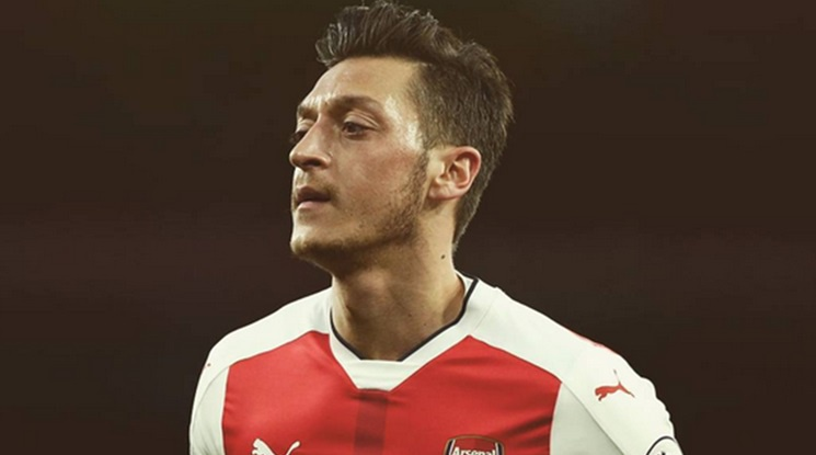 Ozil: 'I feel well at Arsenal but...'