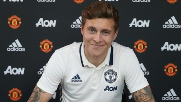 Phil Jones welcomed Lindelof to Manchester United