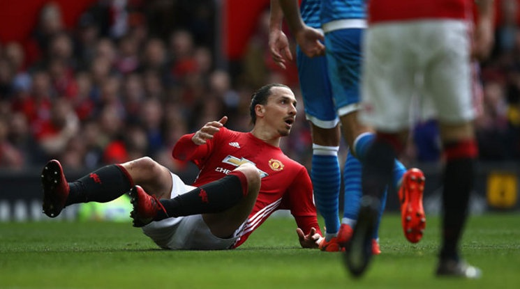 Ibrahimovic is training at the base of Manchester United