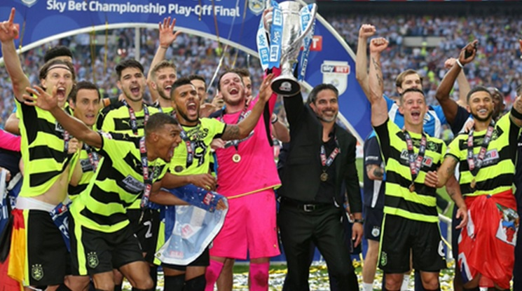Huddersfield extended the contract of its manager with two years