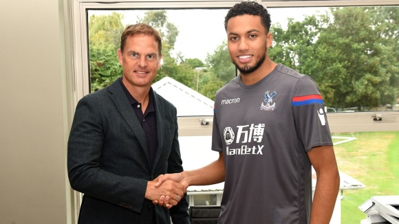 Crystal Palace has taken Jairo Riedewald