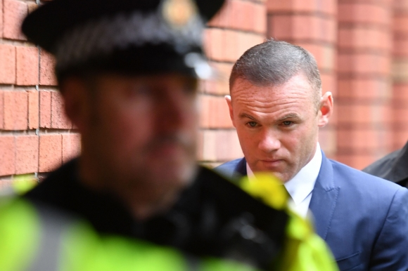 Everton imposed a fine of 300 000 pounds to Rooney