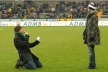 VIDEO: Man was humiliated by your spouse after a marriage proposal during a match